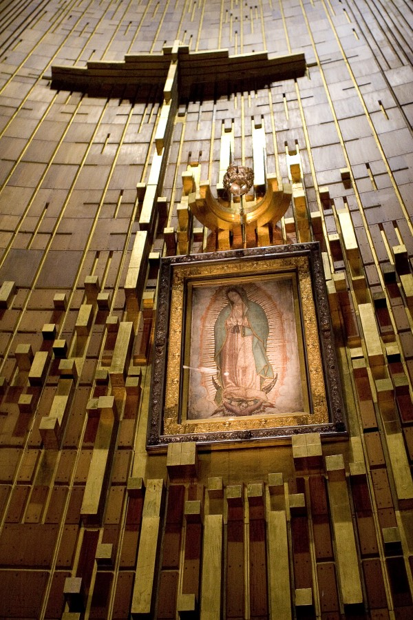 Altar_Basilica_of_Lady_Guadalupe